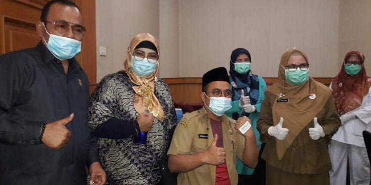 Hari Ini Anggota DPRD Padang, ASN dan Sekretariat Laksanakan Suntikan Vaksin Covid-19